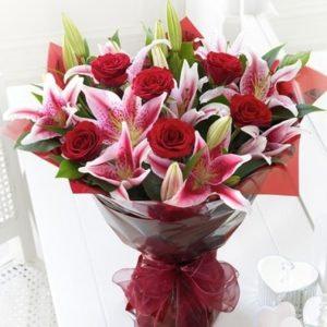 Lilies & Rose Love - SendFlowers.pk