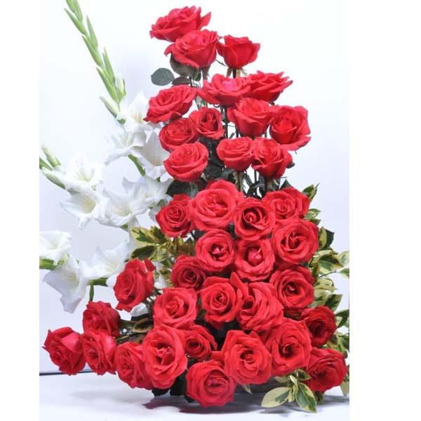 Glorious Rose Arrangement -SendFlowers.PK