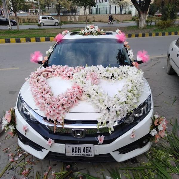Toyota Car Decoration - SendFlowers.pk