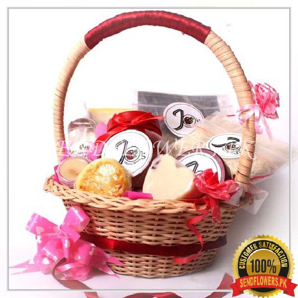 Special Organic Gift Basket - SendFlowers.pk