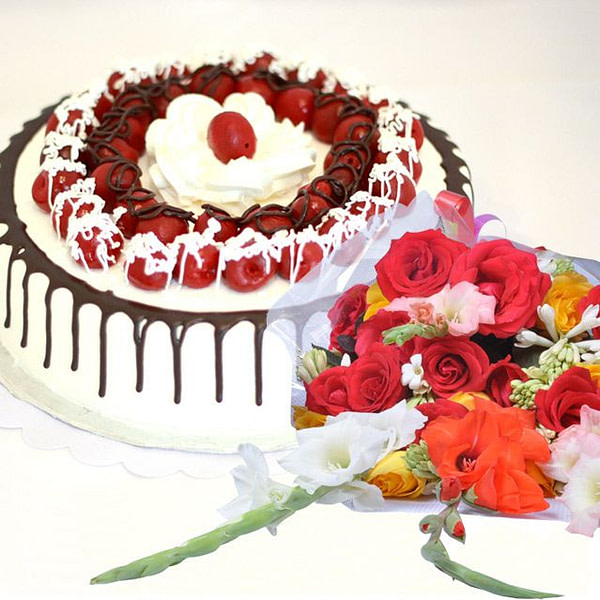 Happy Delight Cake - SendFlowers.Pk